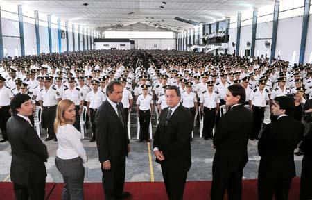 la escuela juan vucetich el egreso record de mas de 2 mil policias y